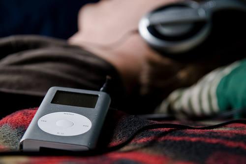 205 HAWA-Semangat Berolahraga dengan Mendengarkan Musik-6