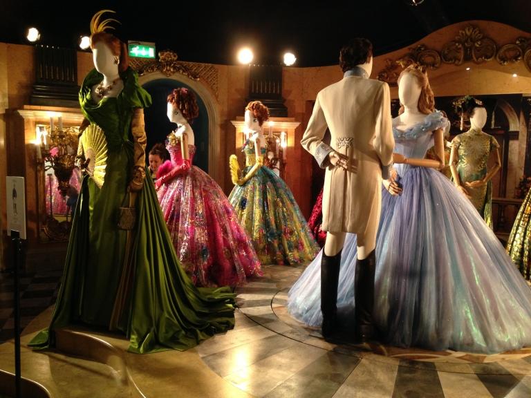 209 HAWA-Tiru Gaun A la Para Putri Disney-3