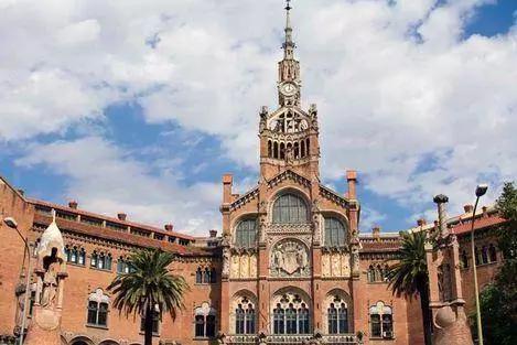 226 HAWA-Pergi ke Barcelona dan Nikmati Keindahan Bangunan-Bangunannya-6