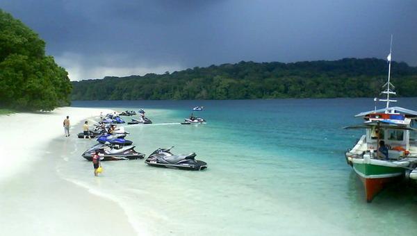 239 HAWA-Pantai Indonesia Untuk Liburan Romantis-5