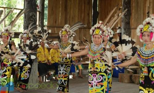 311 HAWA-5 Tarian Tradisional Indonesia Untuk Berolahraga-4