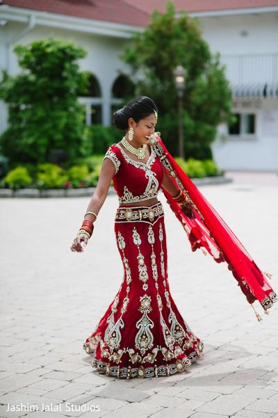 318 HAWA-Gaun Pernikahan India Mewah nan Glamour-3