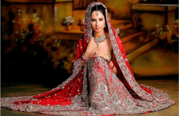 318 HAWA-Gaun Pernikahan India Mewah nan Glamour-5