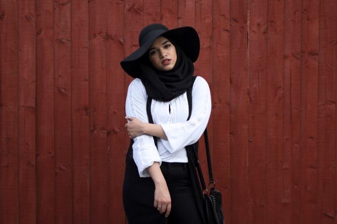 361 HAWA-Menggunakan Hijab dan Topi Bersamaan, Kenapa Tidak-3