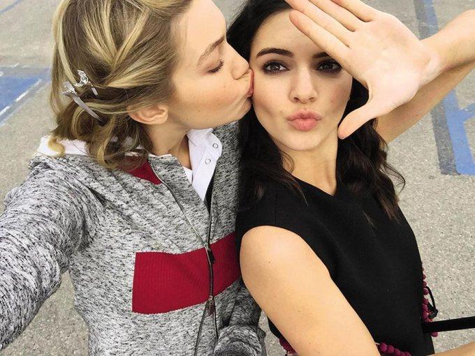 377 HAWA-Matching Outfit Bareng Sahabat a la Kendall Jenner & Gigi Hadid-1