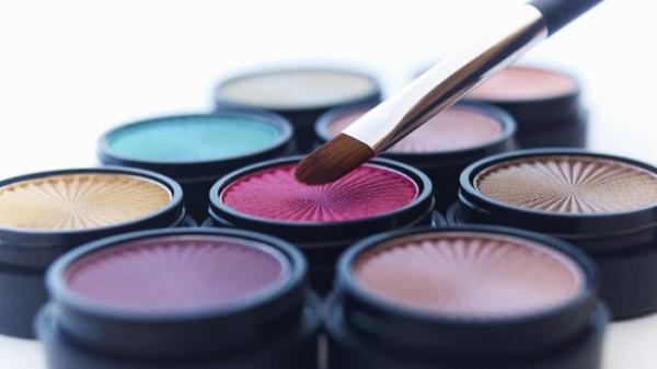 439 HAWA-Tips Menggunakan Eyeshadow Berwarna, Yuk Cek Tipsnya Disini-4