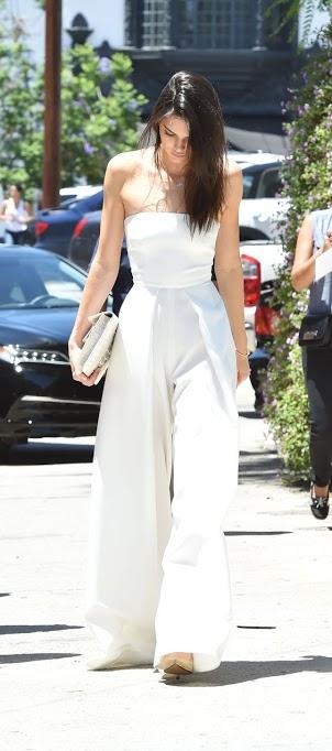 473 HAWA-Kamu Fans Kendall Jenner Contek Yuk Gaya Fashionnya Disini-4