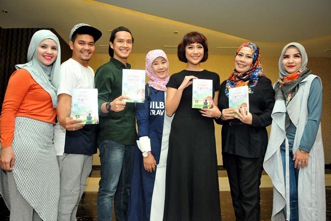 604 HAWA-Hijab Traveler, Love Sparks In Korea-4