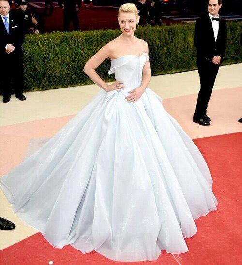 623 HAWA-Jennifer Marcelina, Tampil Seperti Putri Disney, Gaun Clare Danes Menyala Dalam Gelap!-1