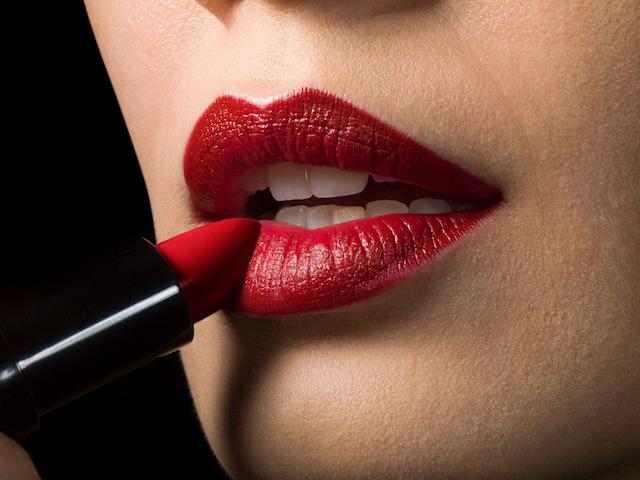 628 HAWA-Lip Liner, Lipgloss, dan Lipstick, Apa Sih Bedanya-4