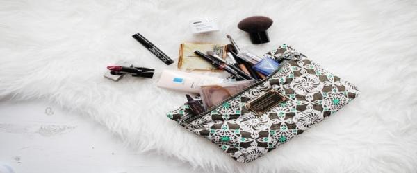 640 HAWA-Travelling Makeup Pouch Untuk Kulit Berminyak-4