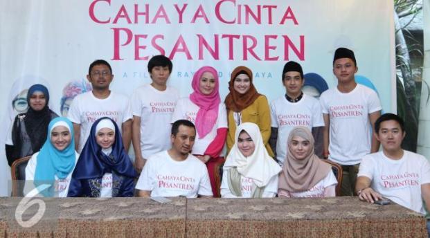 652 HAWA-Ustadz Yusuf Mansyur Mengangkat Kehidupan Pesantren, Melalui Film 'Cahaya Cinta Pesantren'-2