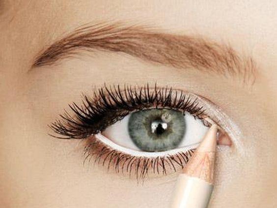 660 HAWA-Mei Mei, Wajah Terlihat Lebih Segar dengan Eyeliner Putih!-1