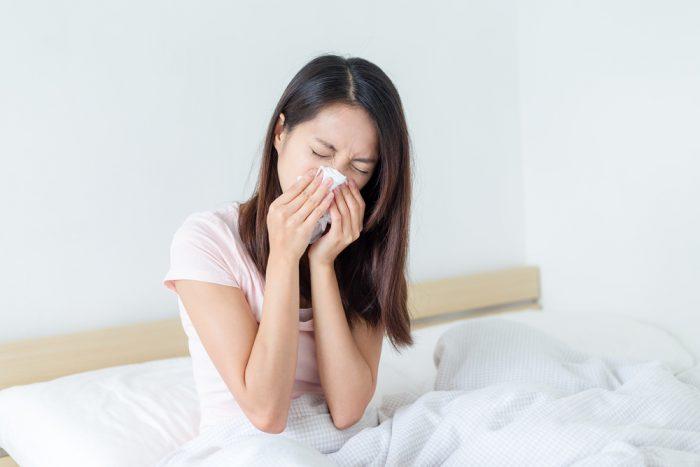 beda-gejala-alergi-dan-sinusitis-700x467