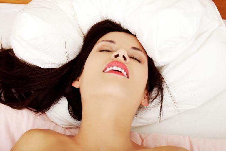 Benarkah-Wanita-Harus-Orgasme-Dulu-Untuk-Bisa-Hamil.jpg