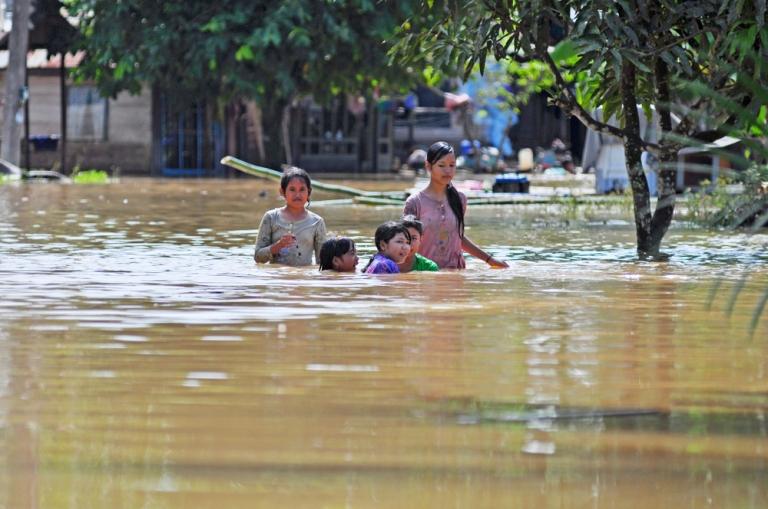 dampak-banjir-ibu-hamil.jpg
